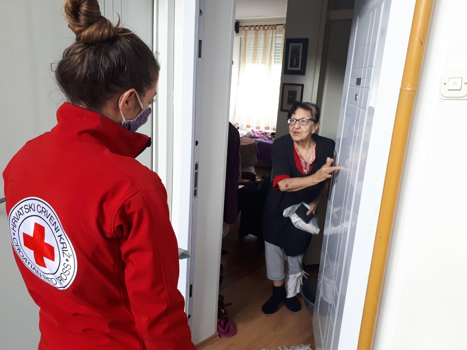 Crveni križ 24 sata na raspolaganju starijima i nemoćnima u doba pandemije