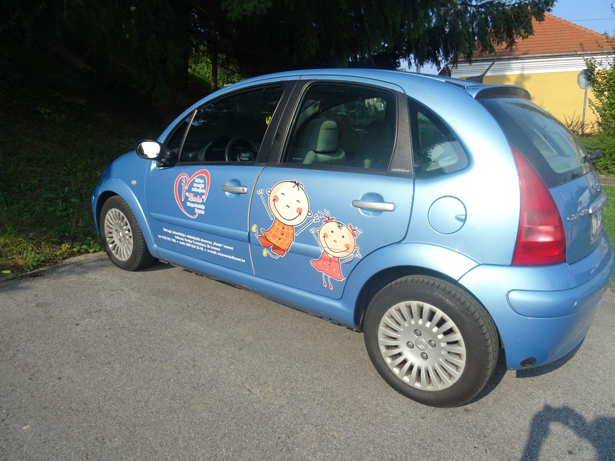Službeni automobil Udruge Nada