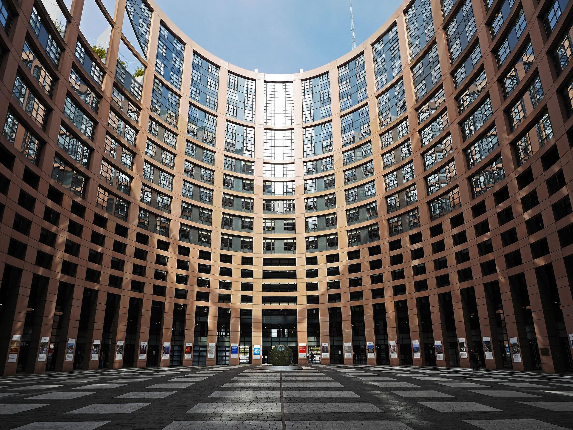 Zgrada Europskog parlamenta u Strassbourgu; photo bx Pixaby