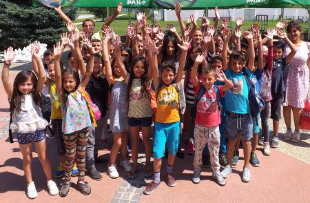 Maleni Romi su preko ljeta naučili plivati